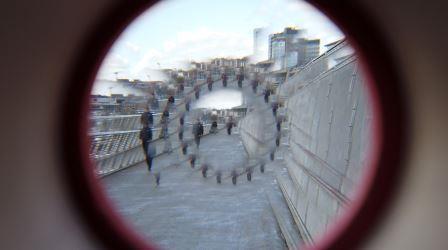 Die Gaardener Brücke durch ein Kaleidoskop