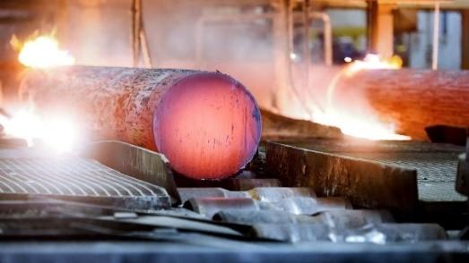 Produktion im Stahlwerk Bous