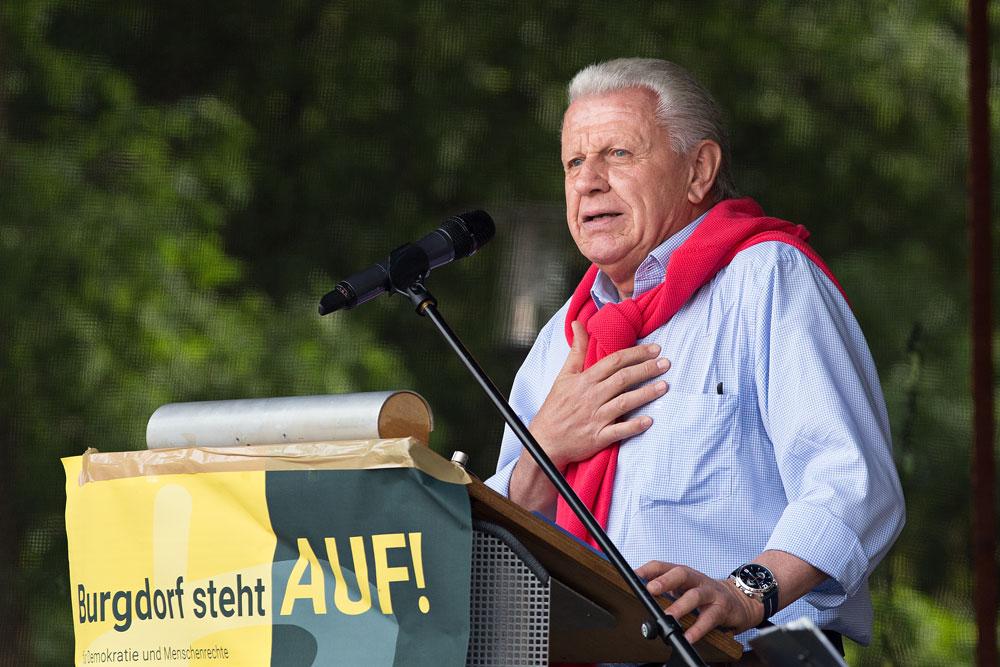 Jürgen Gansäuer M.A. spricht auf dem Burgdorfer Spittaplatz. Foto: Stefan Heinze