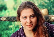 Lina Atfah liest Gedichte aus Syrien im Antikriegshaus. Foto: privat