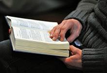 Stilles Gebet erlaubt –Kirchenöffnung unsicher. Foto: Jens Schulze/EMA