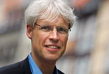 Rainer Müller-Brandes wird in sein neues Amt als Stadtsuperintendent eingeführt. Foto: