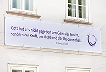 Banner an der Superintendentur. Foto: Stefan Heinze