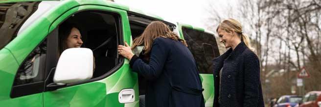 So könnten Ride-Pooling-Angebote wie CleverShuttle helfen, die Zahl der PKW in den Städten zu reduzieren: Hochrechnung auf Basis einer Kundenbefragung