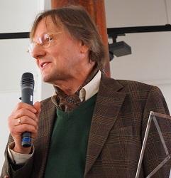 Prof. Dr. Dr. h.c. mult. Decker-Voigt (Foto:Ingo Schaarschmidt)
