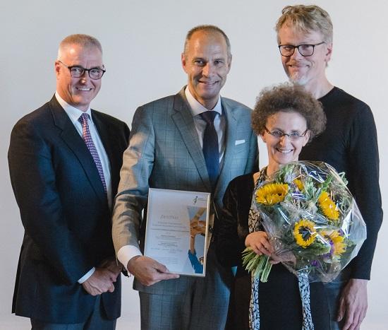 Chefarzt Prof. Dr. Heinz-Jochen Gassel, Geschäftsführer Nils B. Krog, Kantorin Petra Stahringer, Norbert Hermanns (v.l.)