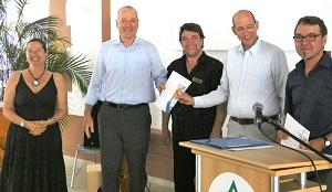 Katharina Bossinger, Geschäftsführer Ulrich Schultz, Musiktherapeut Joachim Nolden, Chefarzt Dr. Michael Hartwich, Musiktherapeut Stephan Koslik, v.l.