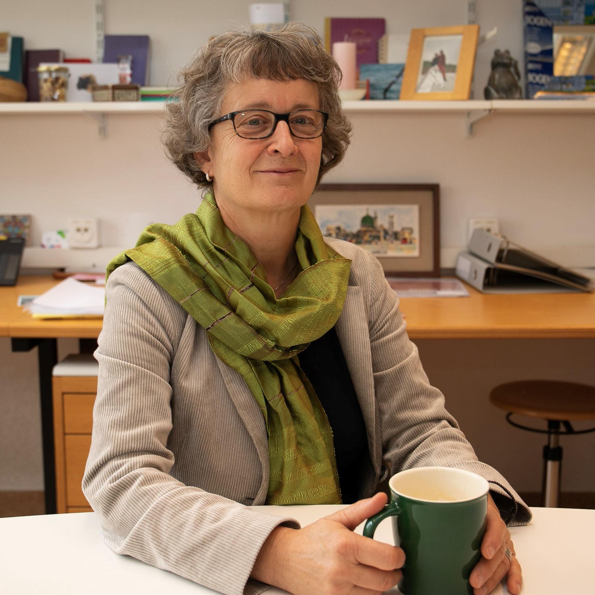 Prof. Nicole Probst-Hensch