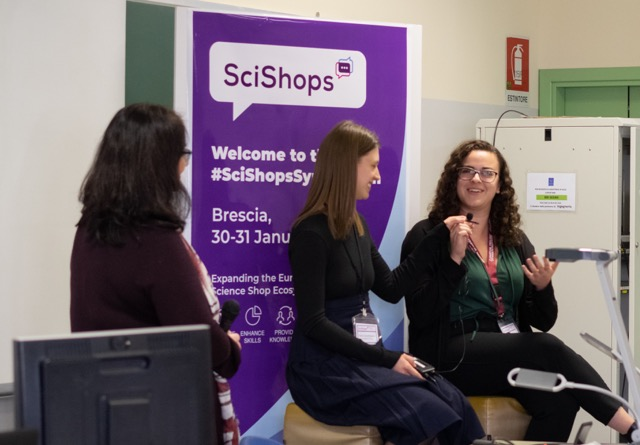 University of Guelph students and winners of the SciShops Pitch Symposium, Brianna Wilson and Sonia Zawitkowski, talking about their community-research project at the SciShops Symposium. Photo: Liselotte Rambonnet
