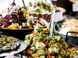 Salatbuffet. Foto: stockyimages / iStock / Getty Images Plus via Getty Images