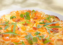 Gemüse-Flammkuchen mit Kräuterquark